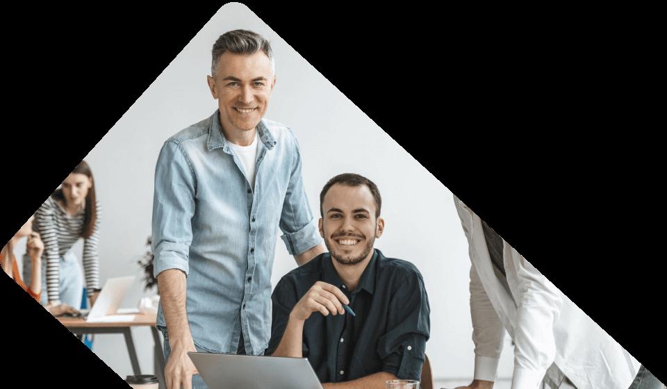 https://zea.ro/wp-content/uploads/2021/05/echipa-agentie-marketing-online.png